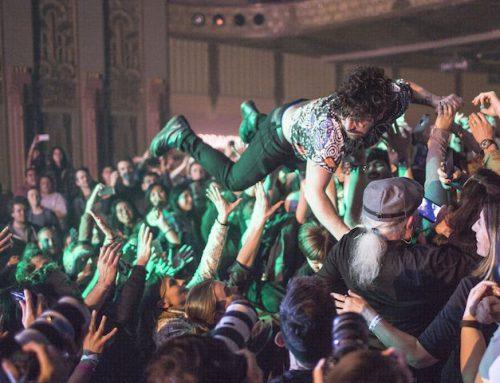 Is crowdsurfende student aansprakelijk voor letsel aan medestudent?